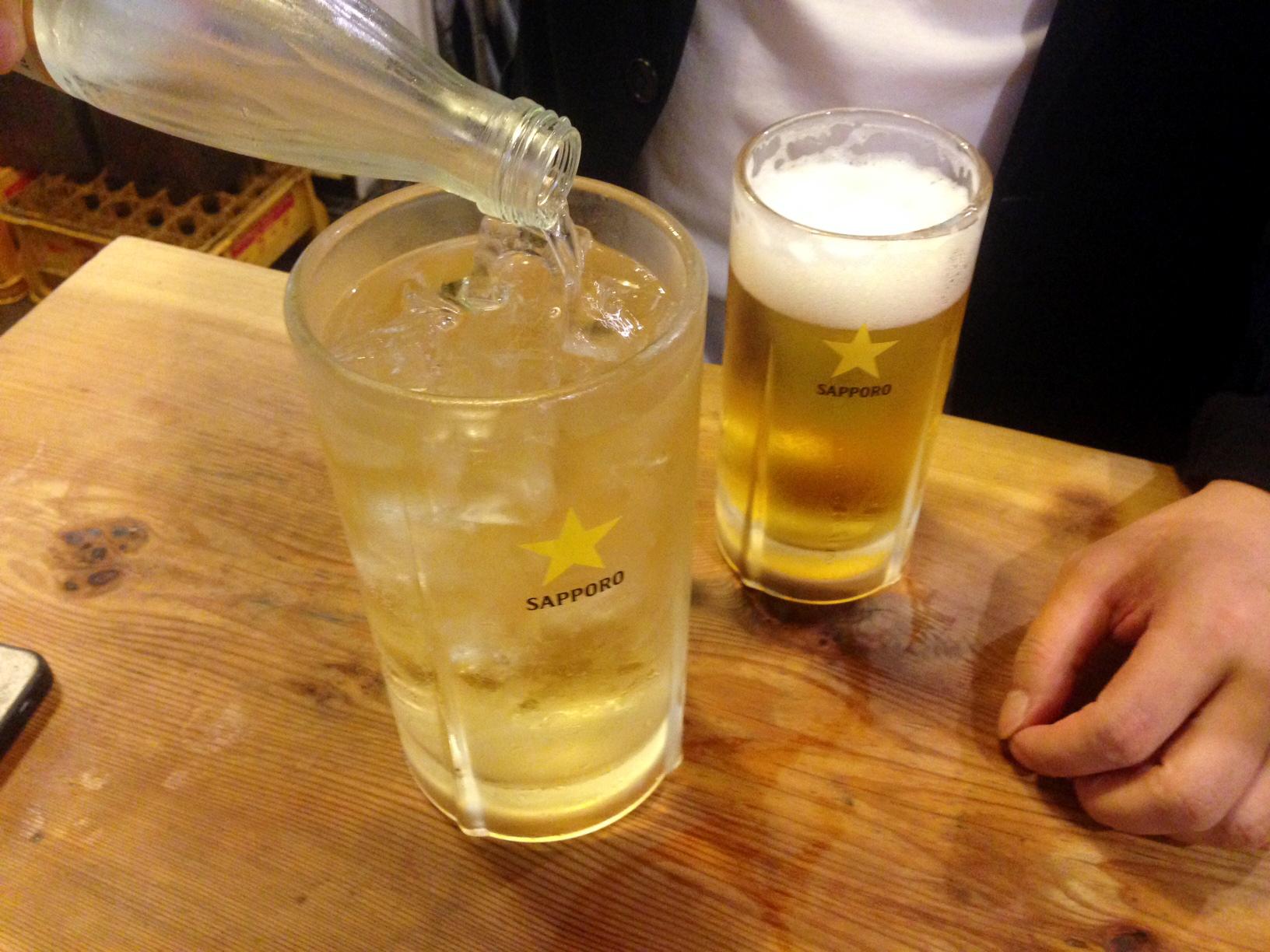 宮川橋もつ肉店_ハイボールと生ビール